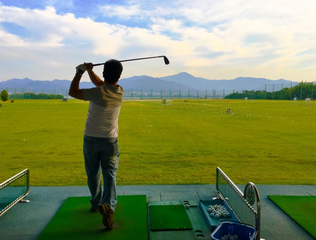 golf-driving-range-manner-02